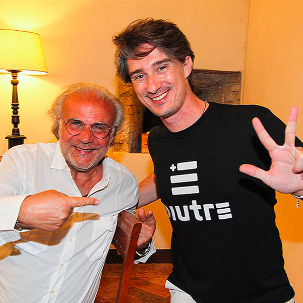 Pietro Razzini con la T Shirt Piutre e Jerry Calà