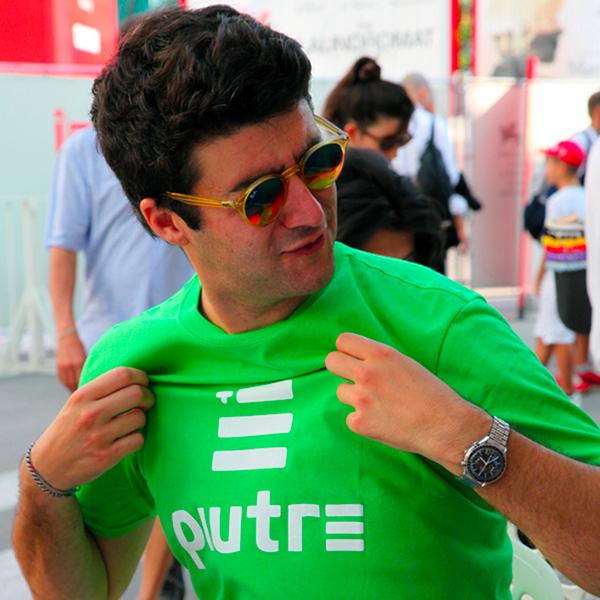 Fantallenatore che indossa la maglia Piutre Linea Gol Verde