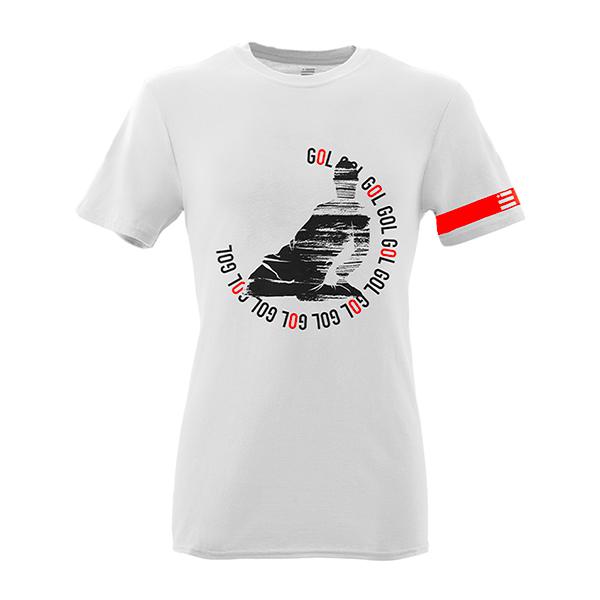 Front Mockup Piutre della T-shirt bomber Scivolata