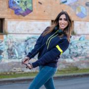 Eleonora Rossi DJ indossa la felpa con cappuccio Piutre Fantacalcio