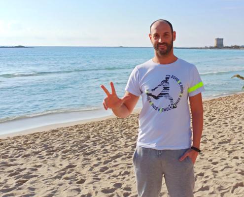 Selfie fantallenatore al mare con t-shirt Piutre bomber