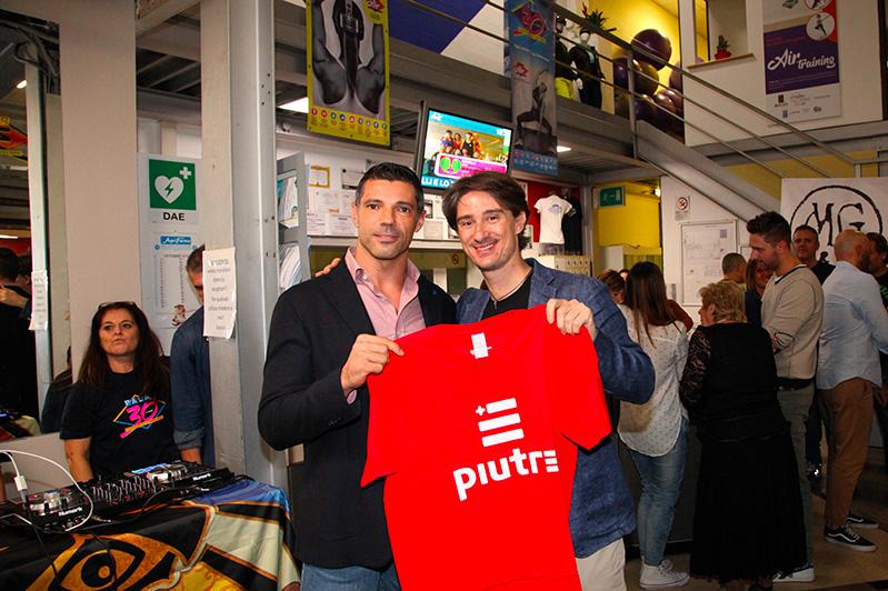 T-shirt Piutre, Pietro Razzini, evento Parma, PalaSprint, sponsor, palestra abbigliamento